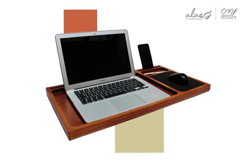 Base para computador en madera